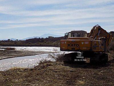 Trabajos en acequias, canales y tomas de riego en localidades del sur de Tinogasta