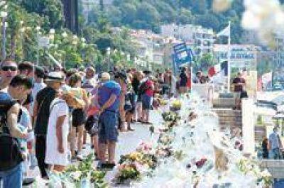 Francia pasó de la pena al estallido de rabia