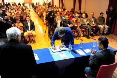 Dirigentes de Gualeguaychú firmaron el Pacto de San Antonio de Padua