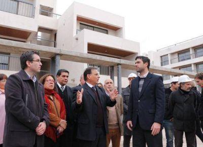 El jefe de ANSeS visitó San Luis y recorrió las casas del plan Procrear