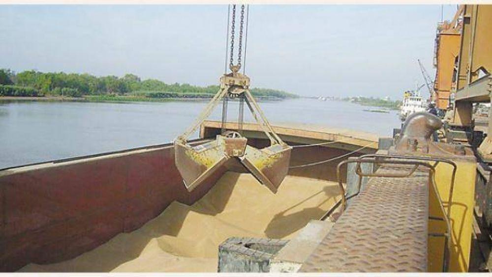 Escasez de nafta y 120 buques varados en el tercer día del lockout del transporte