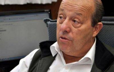 EL EX INTENDENTE DE MAR CHIQUITA SE DEFIENDE DE ACUSACIONES OFICIALES