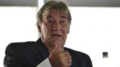 Armando P�rez asumi� en la AFA: todav�a no defini� al DT de la Selecci�n y dijo que llamar� a Messi