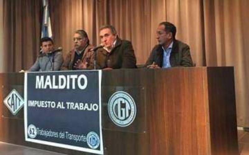 Más apoyos para Schmid: federación de gremios portuarios avala su candidatura
