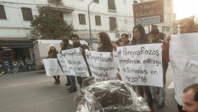 Ante la falta de solución, familias de Pereyra Rozas hicieron una protesta