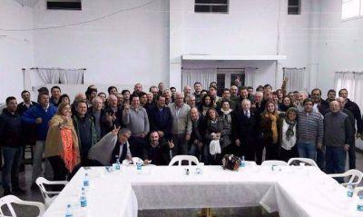 Nace otro Grupo de los Ocho: intendentes peronistas