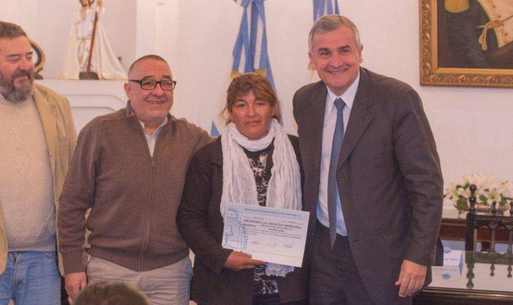 Morales entregó subsidios para emprendedores