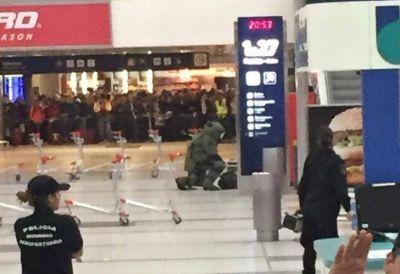 Evacuación y caos en el aeropuerto de Ezeiza por una