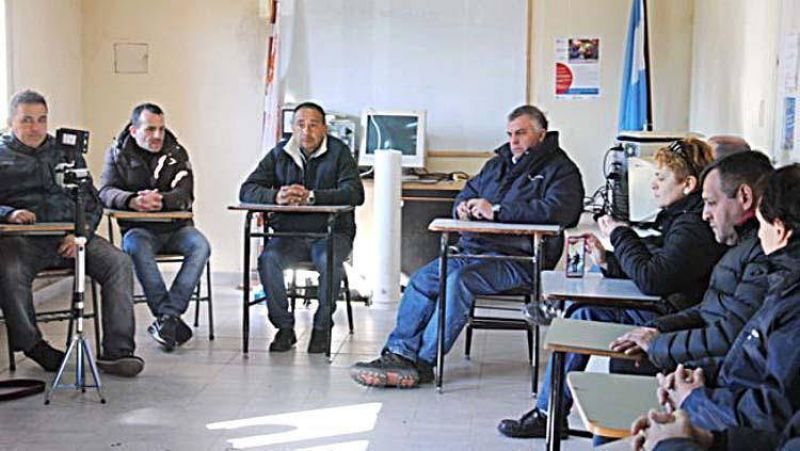 Trabajadores de OSSE rechazan que se use el presupuesto de la empresa para cubrir el déficit y la deuda municipal