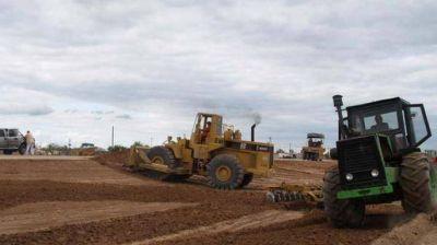La gobernadora autorizó la ejecución de obras hídricas, viales y edilicias en escuelas