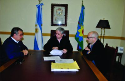 Se firmó la adjudicación de la obra hidráulica