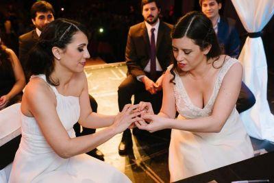 La diputada Analuz Carol se casó con la concejal de Tolhuin Ana Paula Cejas