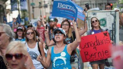 EE.UU.: un escándalo sacude el inicio de la convención demócrata
