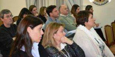 Personal municipal continúa capacitándose en Tierras, Hábitat y Urbanismo