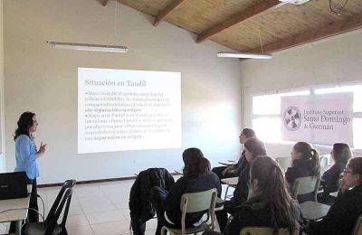 Encuentro en Santo Domingo sobre la situaci�n medioambiental de Tandil