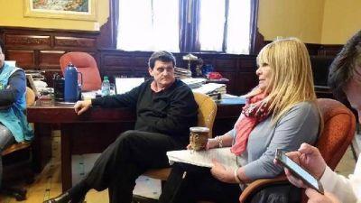 Docentes: la provincia adelantará recursos para pagar garantía de abril y mayo