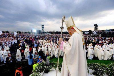 El cardenal Dziwisz abre la JMJ: 'La misericordia vence el egoismo y la violencia'