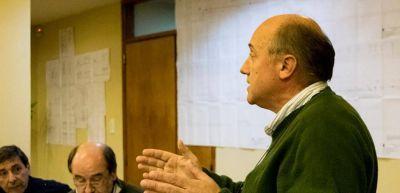 Alvarez cruzó a Galli por posible incompatibilidad de funciones