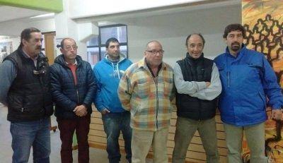 """""""La ausencia de una entidad gremial que represente a peones de taxis impulsó la creación de SIPETABA"""""""
