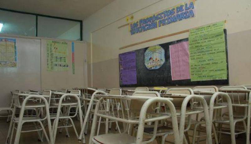 Educación reiteró que descontará los días de paro a los docentes