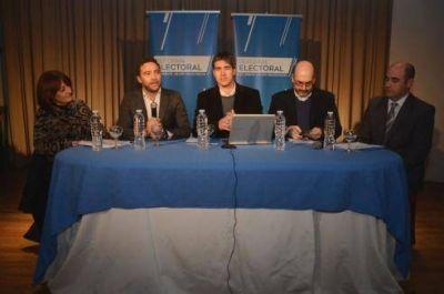 Con la presencia de Adrián Pérez, se realizó en Gualeguaychú un nuevo foro sobre la reforma política