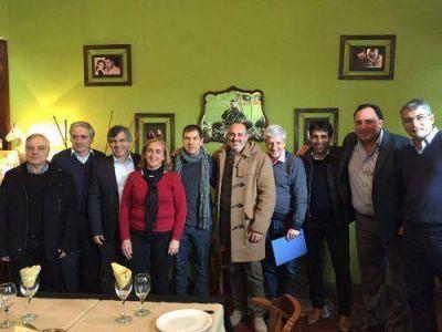 Intendentes del FR se reunieron en General Las Heras