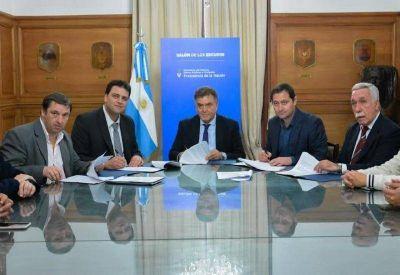 Nación firmó convenios con municipios gobernados por la UCR