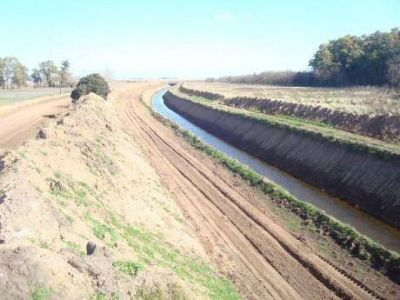 Se lleva ejecutado el 80 % del Canal La Sofía-Bellocq en el distrito de Carlos Casares