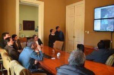 Jalil se reunió con representantes de Coca Cola para analizaron el traslado
