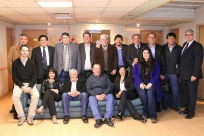 Intendentes radicales analizaron junto a Aida Ayala y funcionarios de Vivienda y Hábitat la gestión de proyectos para sus comunidades