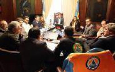 Apuntes políticos platenses: Garro y la imperiosa necesidad de cortar cintas