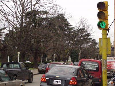 Invertirán 100 mil pesos en recuperar y modernizar con luz LED la red de semáforos