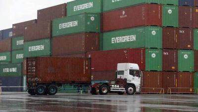 Las importaciones crecieron y afectan a la producción local