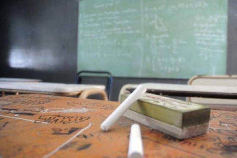 La mayoría de los gremios docentes del Chaco van al paro y no reinician las clases