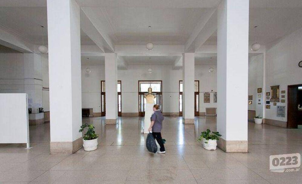 Municipales quieren redondear un aumento anual del 40%
