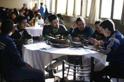 El massismo mendocino quiere una ley de cupo juvenil para acceder a cargos