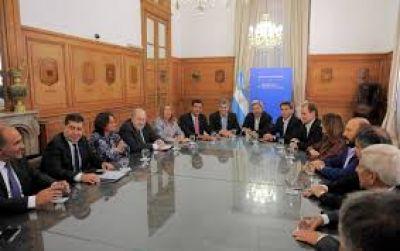 Gobernadores piden mejor reparto de fondos a horas de reunirse con Frigerio
