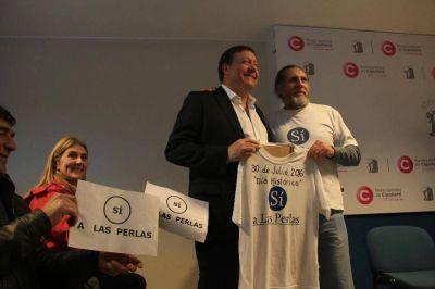 Avanza la municipalizaci�n: �A partir de hoy las calles de Las Perlas son p�blicas�