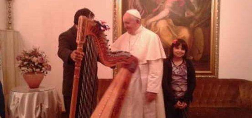 Arpa paraguaya donada al Papa Francisco será conservada en el Pontificio Instituto de Música Sacra