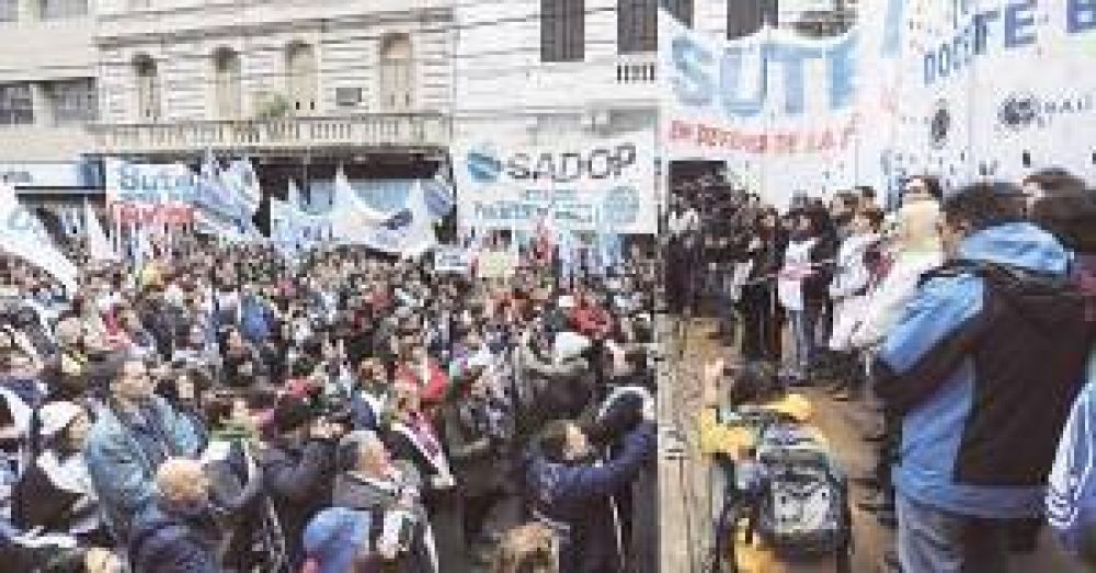 Educación convocó a sindicatos docentes por reapertura de paritarias