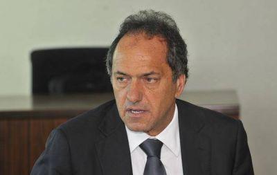 Scioli negó desvíos de fondos pero Carrió volvió a la carga