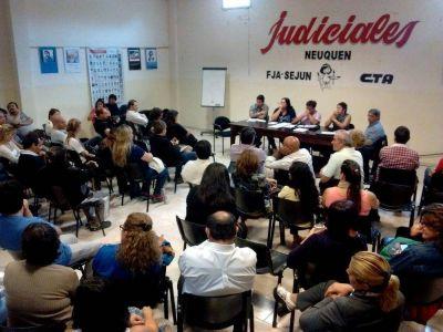 Judiciales exigen la reapertura de la mesa salarial