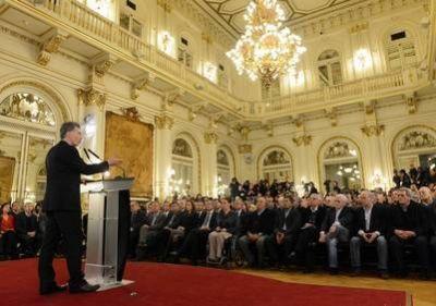 Macri lanzó una cobertura de salud para los que no tienen obra social