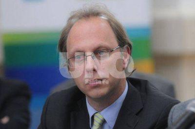 Con menos fondos de Naci�n, Saglione niega reabrir el debate salarial