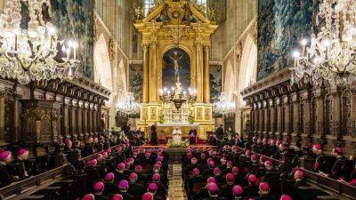 """""""Tiene razón Benedicto XVI: es la época del pecado contra el Creador"""""""