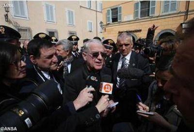 """P. Lombardi: """"10 años de servicio al lado de dos grandes Papas, una bellísima llamada"""""""