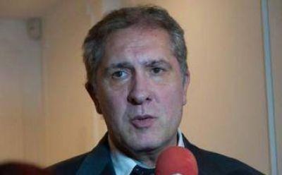 Pallares critic� a Scioli por no reclamar el fondo del conurbano �por obediencia debida�