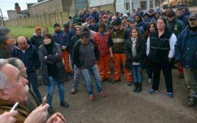Palacio interrumpió una asamblea y pidió a municipales que vuelvan a trabajar