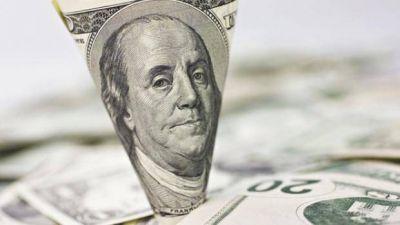 El precio del dólar a nivel mundial amenaza con repetir bajas de otros períodos