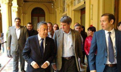 Cornejo participó del acuerdo para la devolución escalonada de coparticipación